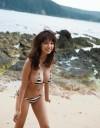Anzai-Rara-Shio-Utsunomiya-desnuda-playa-1b